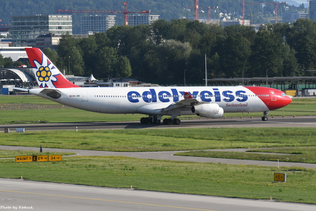 Edelweiss Air A340-313(HB-JME)@Zurich_1_20190818.JPG