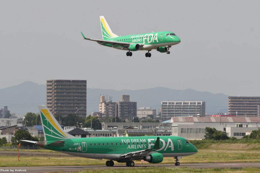 Fuji Dream Airlines ERJ-170(JA04FJ and JA11FJ)@RJNA_1_20190694.JPG