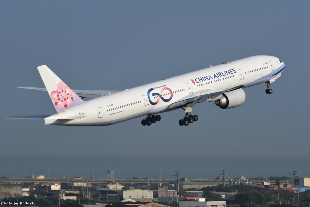 China Airlines Boeing 777-309(ER)(B-18006)@RCTP_1_20200103.JPG