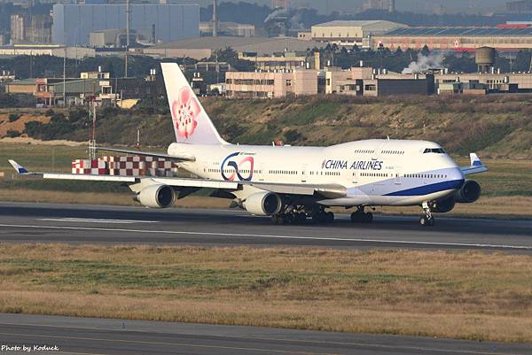 China Airlines Boeing 747-409(B-18210)@RCTP_1_20200103.JPG