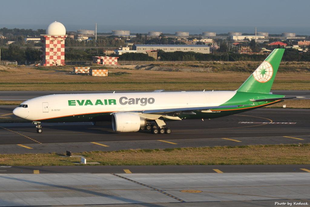 EVA Airways Boeing 777-F5E(B-16782)@RCTP_1_20200103.JPG