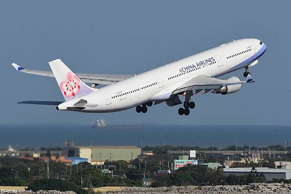China Airlines Airbus A330-302(B-18356)@RCTP_1_20200102.JPG