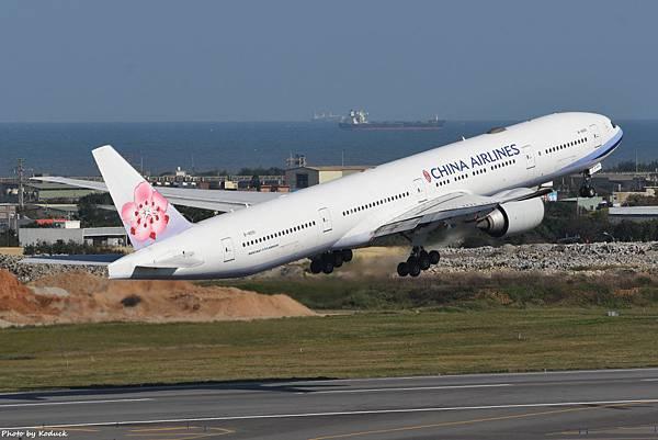 China Airlines Boeing 777-36N(ER)(B-18051)@RCTP_1_20200102.JPG