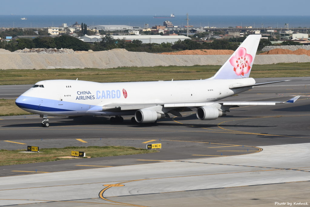 China Airlines Boeing 747-409F(B-18718)@RCTP_1_20200102.JPG