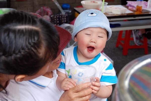 Baby Funny_1(2)_20090503.jpg