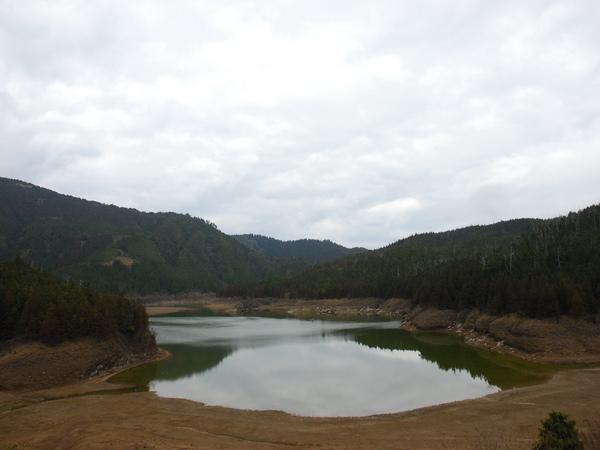 7  越來越小的翠峰湖.jpg