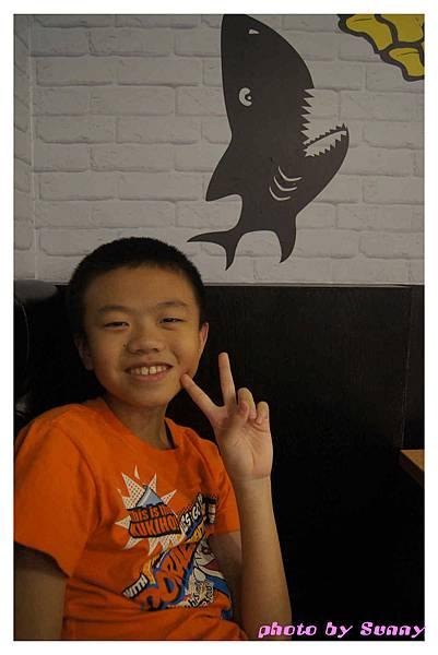 鯊魚咬土司4.jpg