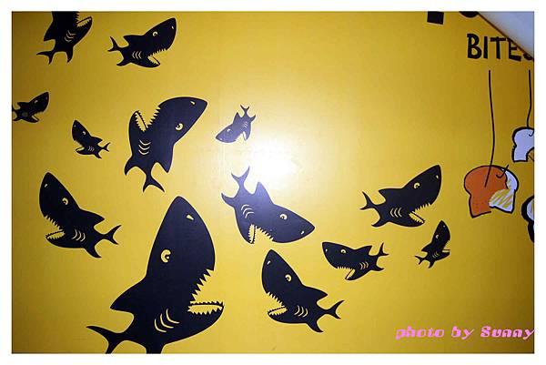 鯊魚咬土司10.jpg