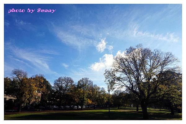 fitzroy gardens3.jpg