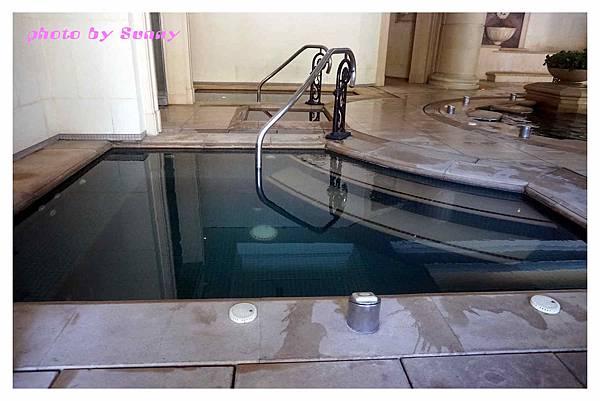 蘇澳瓏山林飯店泳池11.jpg
