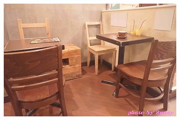 Cafe CORRIDON9.jpg