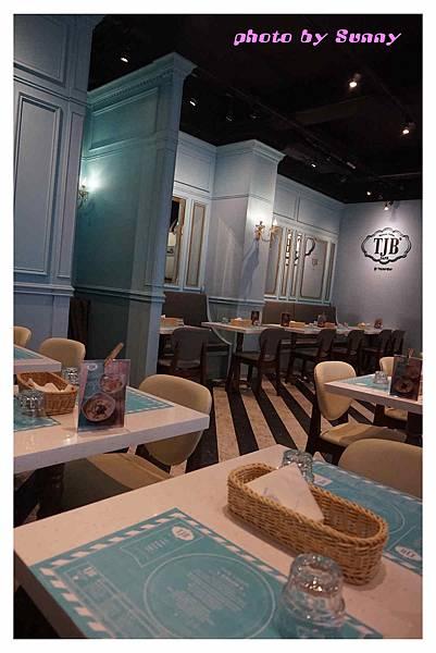 TJB Cafe1.jpg