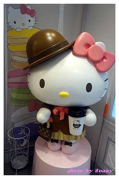 hello kitty le petit cafe3.jpg