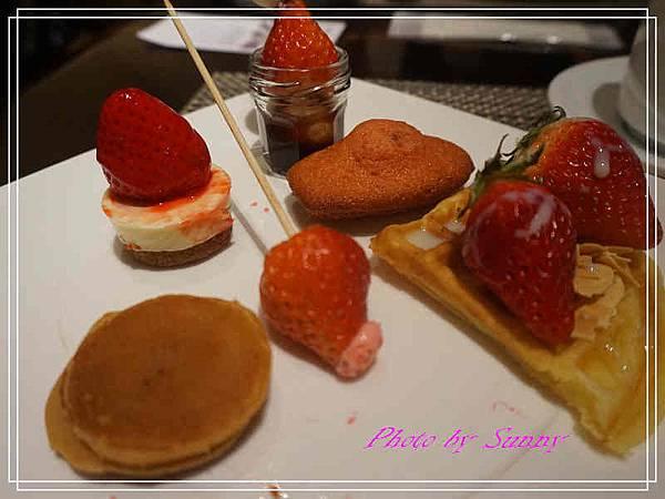 東京希爾頓飯店午茶19.jpg