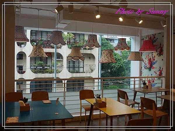 Cath's cafe5.jpg