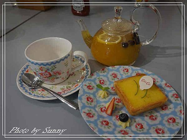 Cath's cafe20.jpg