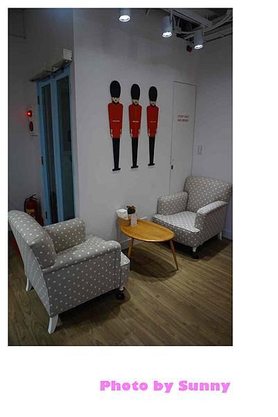 Cath's cafe24.jpg
