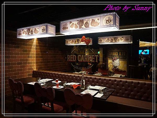 Hello kitty Red Carpet美式餐廳4.jpg