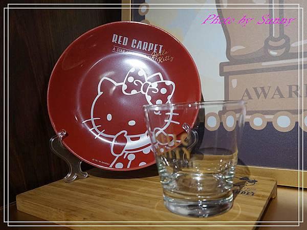 Hello kitty Red Carpet美式餐廳7.jpg