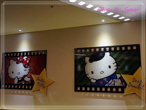 Hello kitty Red Carpet美式餐廳23.jpg