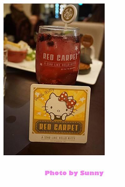 Hello kitty Red Carpet美式餐廳50.jpg