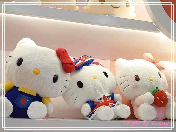 小七kitty聯名店6.jpg