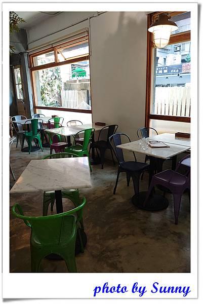 Cafe de Gear24.jpg