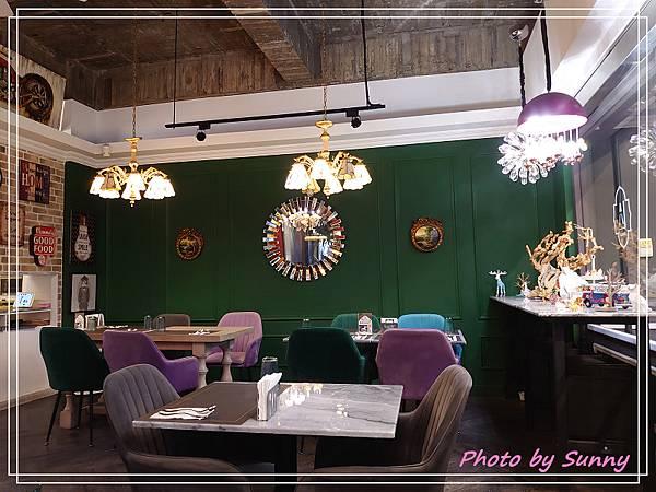高雄咖啡阿拉丁神燈餐廳1.jpg