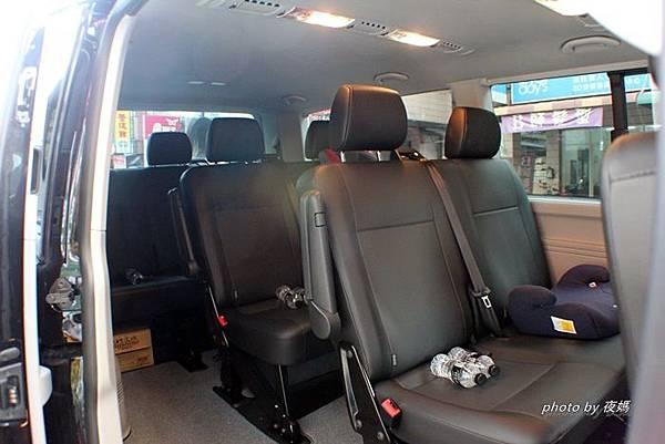 漢聲租車六福村九人座內裝