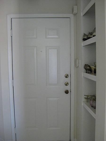 大門和鞋櫃
