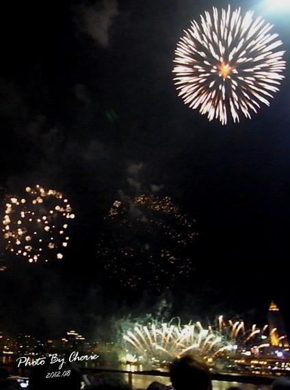 201208大稻埕煙火026
