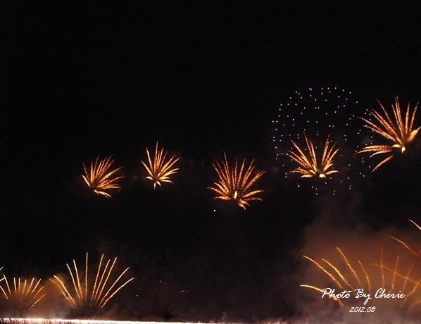 201208大稻埕煙火007