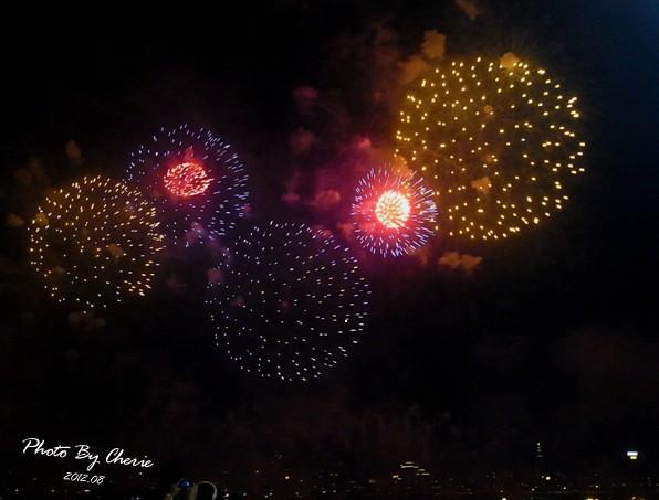 201208大稻埕煙火016