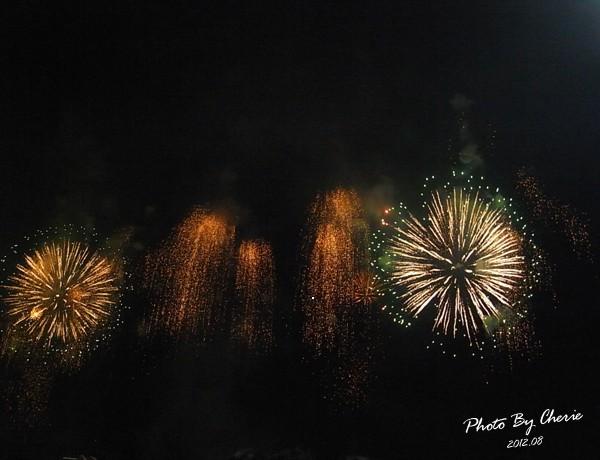 201208大稻埕煙火021