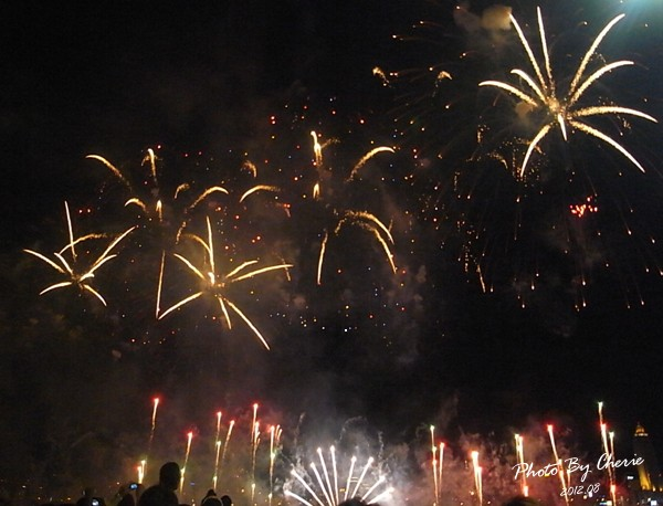 201208大稻埕煙火023