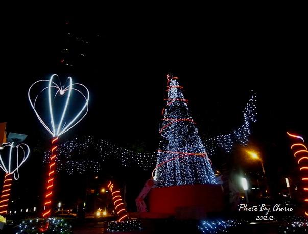 2012聖誕樹信義區中國信託002