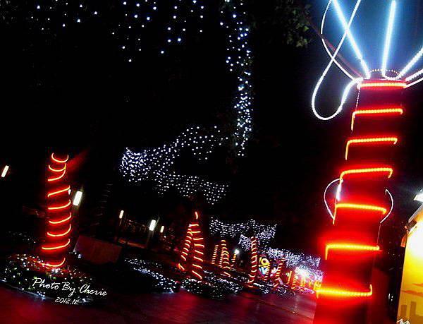 2012聖誕樹信義區中國信託004