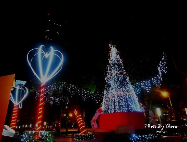 2012聖誕樹信義區中國信託006