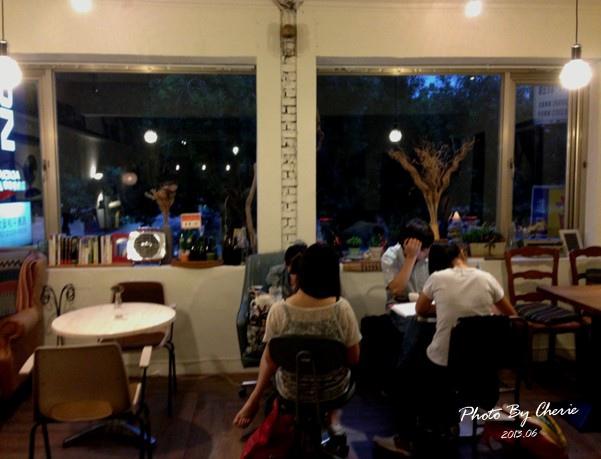 201306自然醒咖啡公寓020.jpg