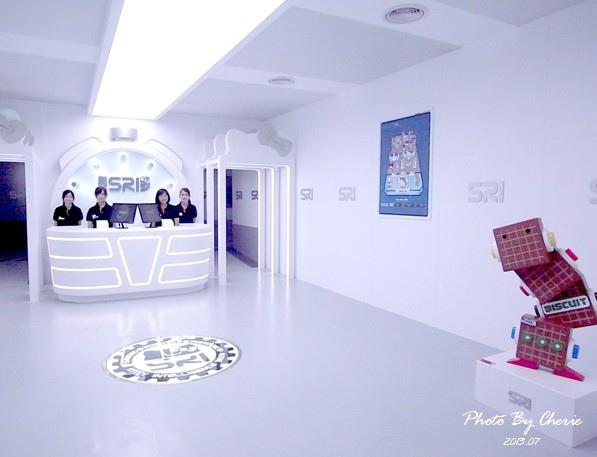 201307ROBOT KITTY互動展011.jpg