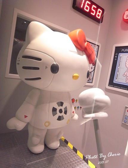 201307ROBOT KITTY互動展018.jpg