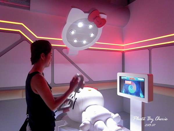 201307ROBOT KITTY互動展035.jpg