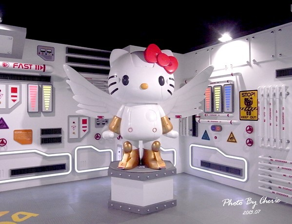201307ROBOT KITTY互動展045.jpg
