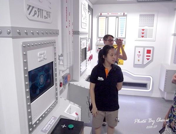 201307ROBOT KITTY互動展047.jpg
