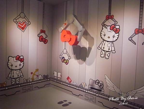 201307ROBOT KITTY互動展050.jpg