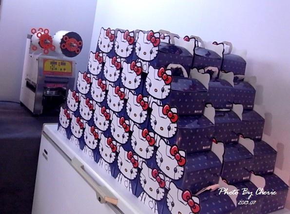 201307ROBOT KITTY互動展060.jpg