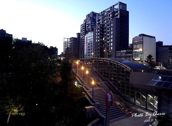 信義線大安森林公園站009.jpg