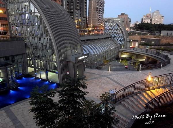 信義線大安森林公園站008.jpg