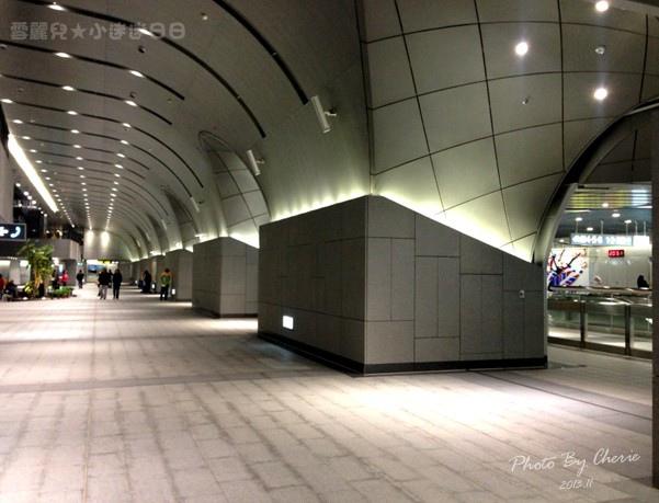 201311信義線大安森林公園站內008.jpg