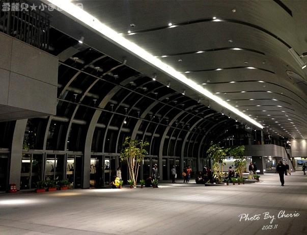201311信義線大安森林公園站內010.jpg
